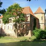 Oporow市城堡